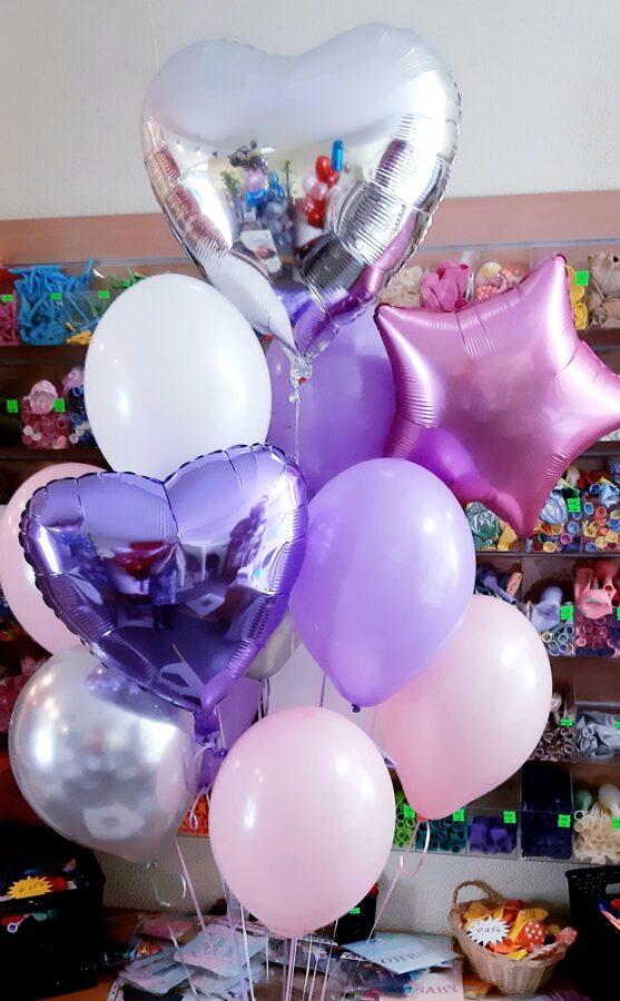 Mākonis no 10 baloniem ar hēliju + 3 folijas zvaigznītes/sirsniņas #107
