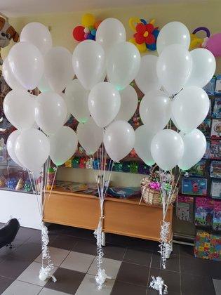 3 pušķi*10 LED baloniem #1006
